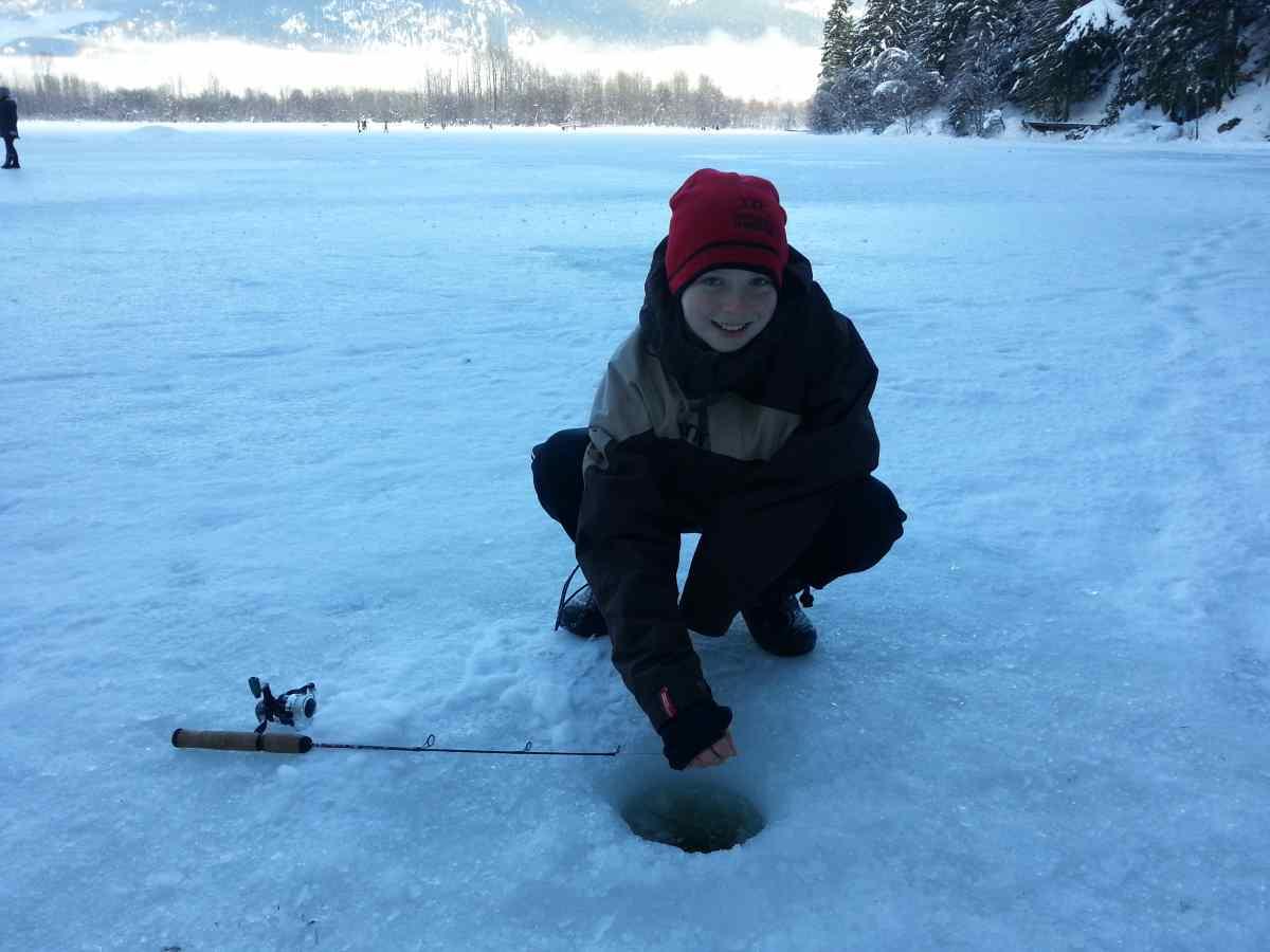 Pemberton winterfest ice fishing 10 bc fishing reports for Ice fishing fish finders