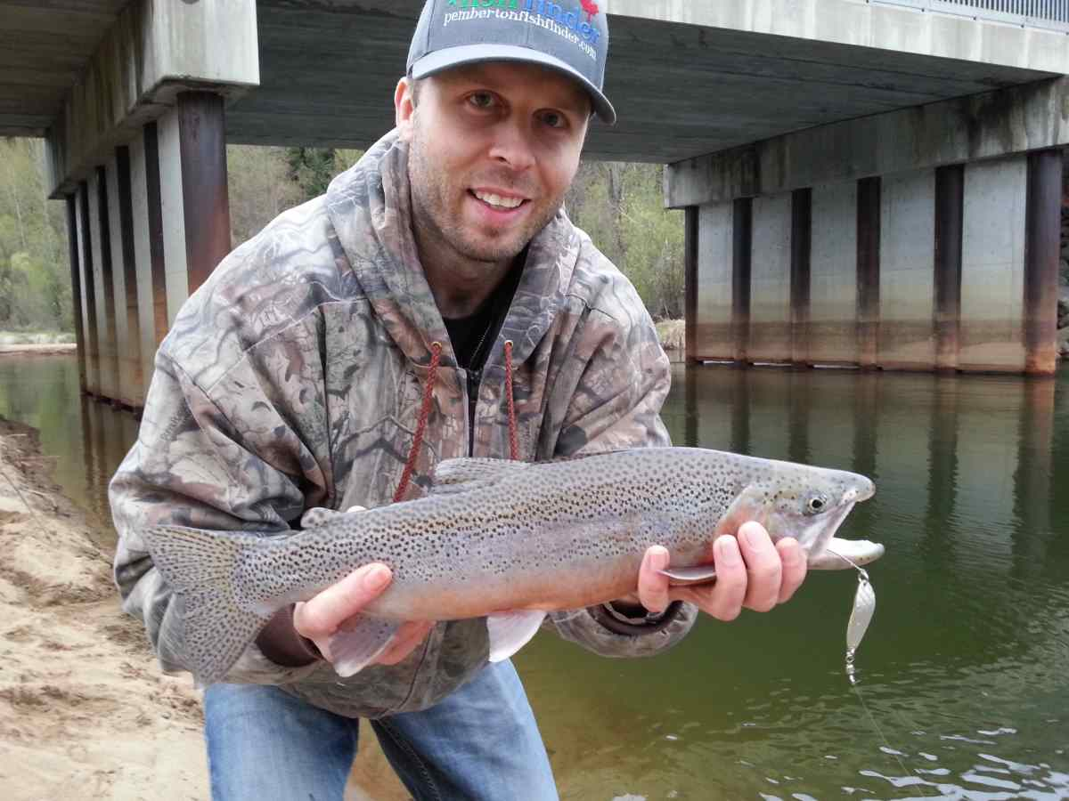 Coastal Cutthroat Fishing