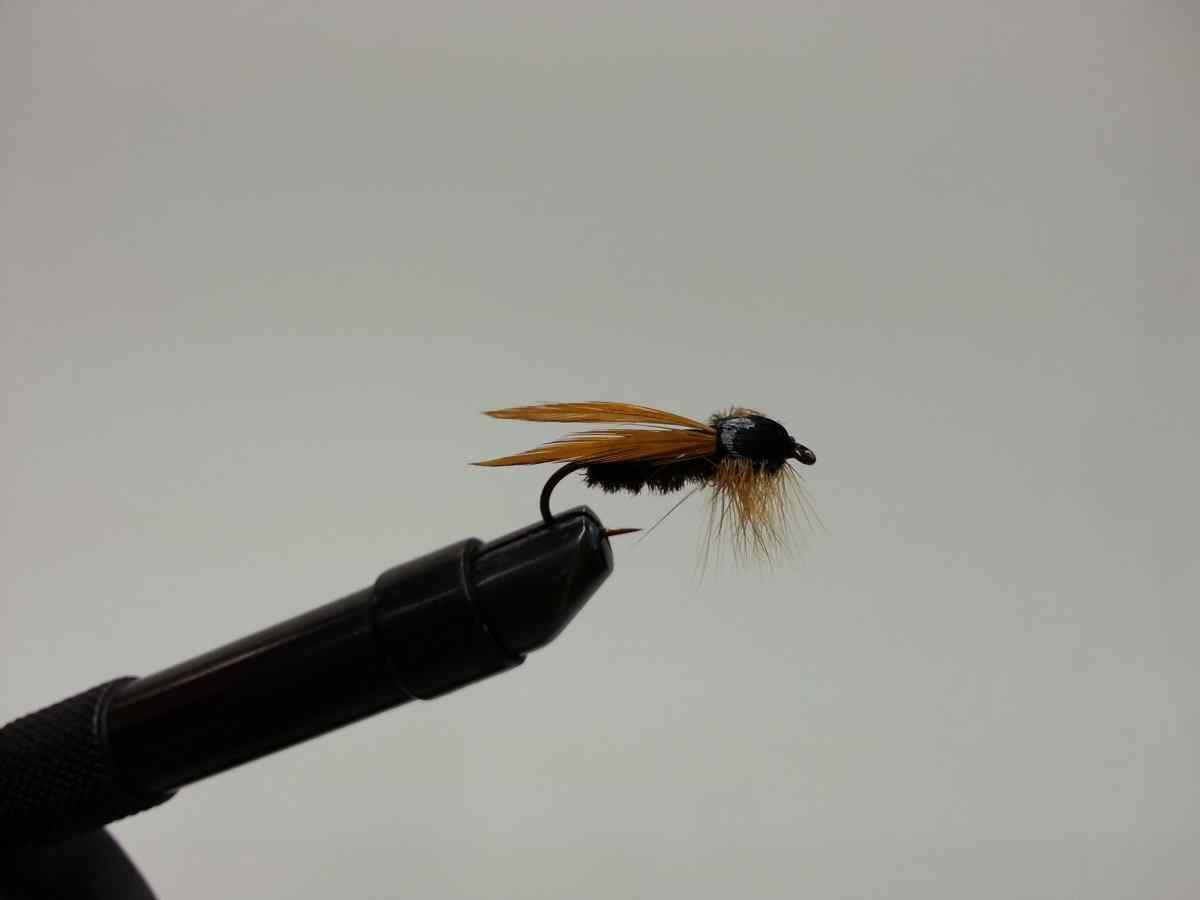 Flying Black Ant Pattern for Fly Fishing
