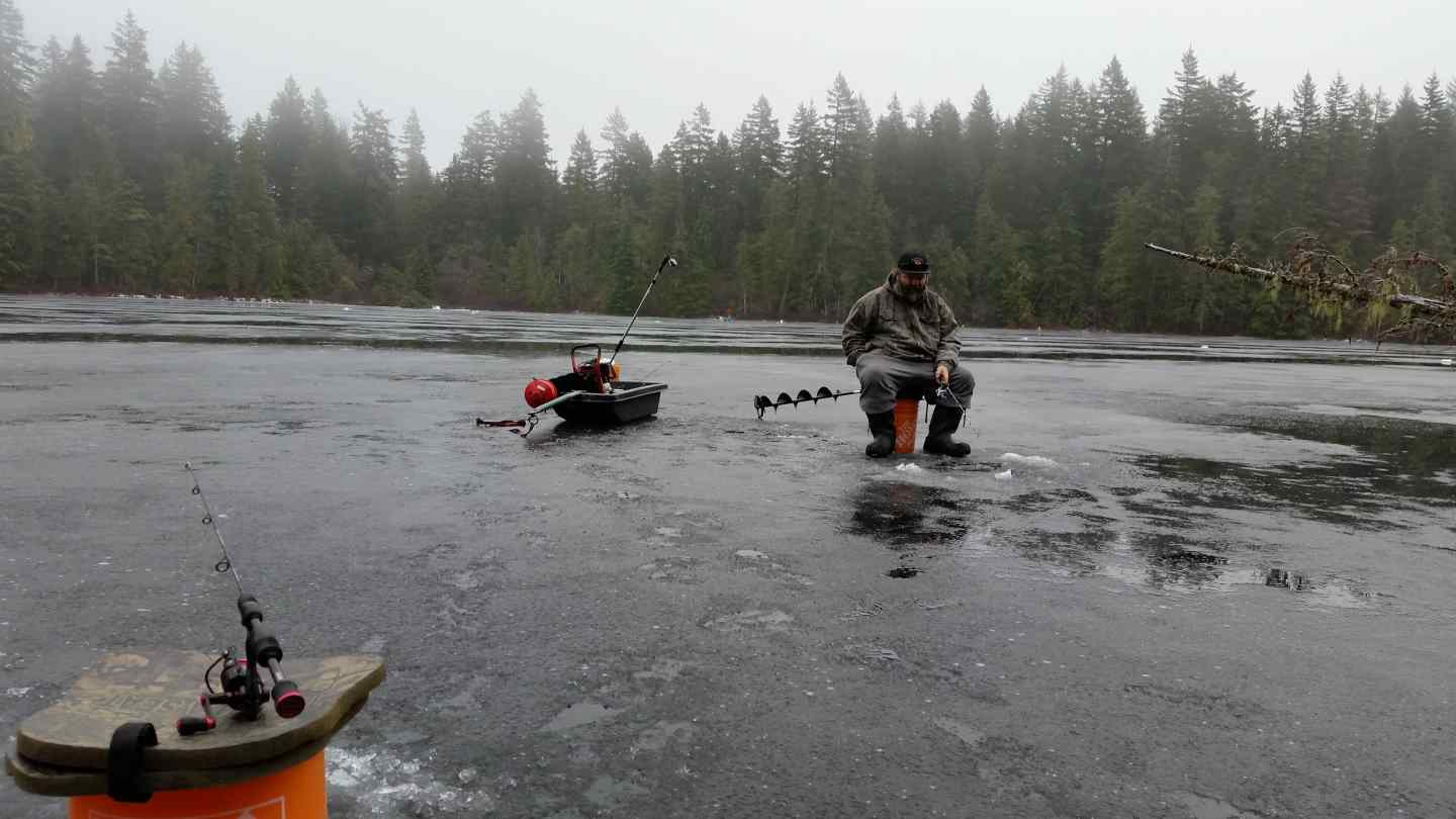 Ice fishing conditions and report pemberton british for Mosquito lake fishing