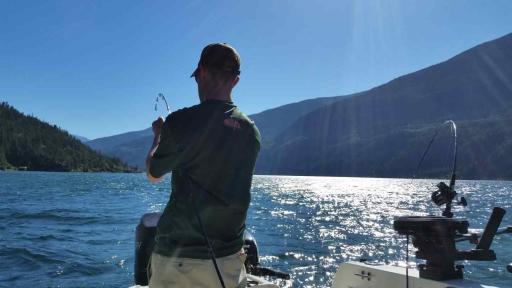 Freshwater fishing charters in british columbia canada for Fishing trips in canada