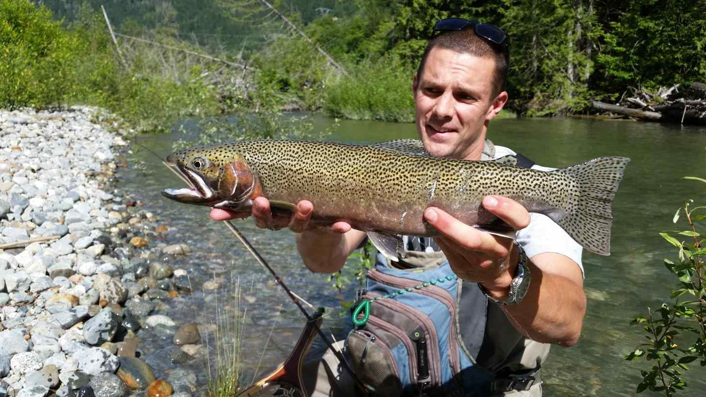 Freshwater fishing charters in british columbia canada for Fly fishing charters