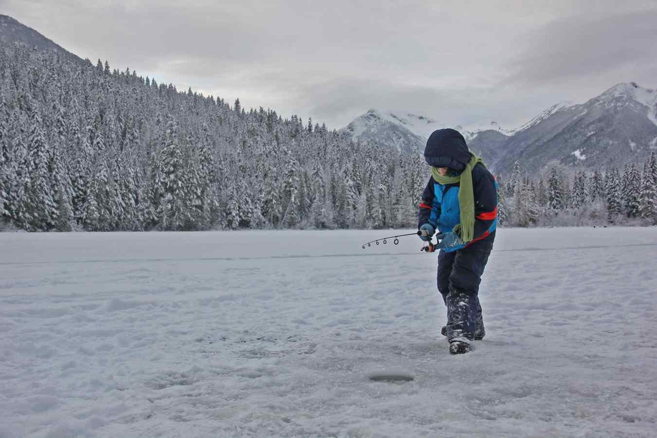 2015 bc ice fishing report blackwater lake for Center hill lake fishing report