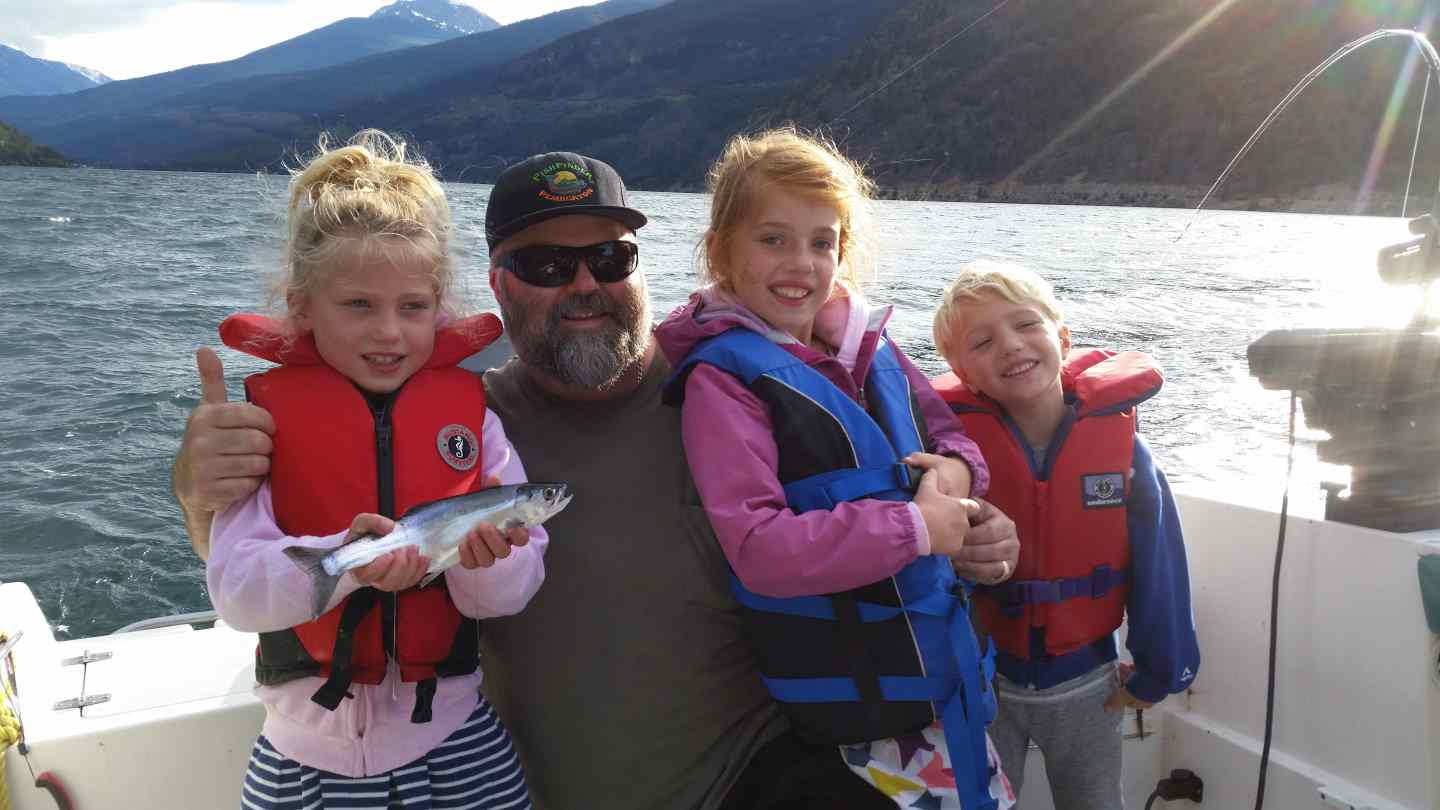 Freshwater boat fishing charters in british columbia canada for Family fishing boats