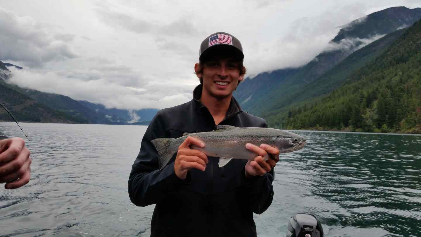 Freshwater boat fishing charters in british columbia canada for Fishing vacation packages