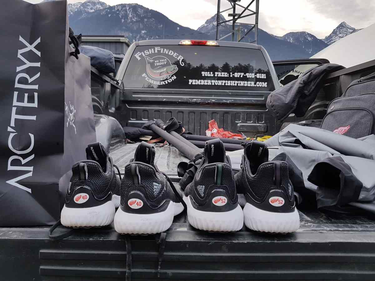 Fly fishing in canada for salmon with henrik zetterberg for Red wing fishing report