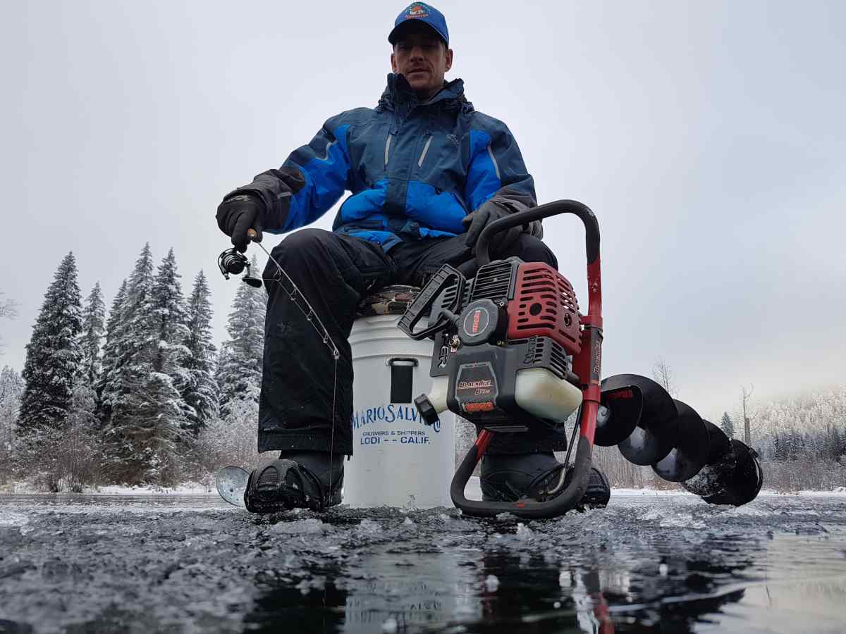 The 2017 2018 ice fishing season has begun in whistler bc for Ice fishing fish finder